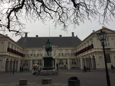 Den Haag4.